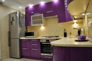 Фиолетовая угловая кухня на заказ